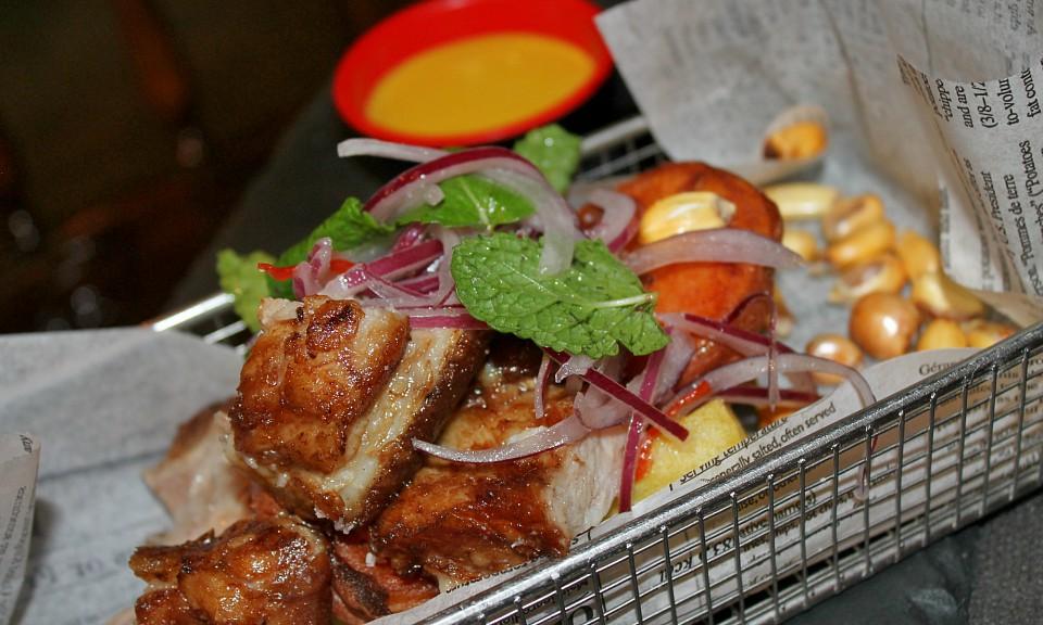 chicharrones de cerdo en Callao24